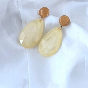 Jewelry - GORGEOUS GODDESS DANGLE  EARRINGS NEW